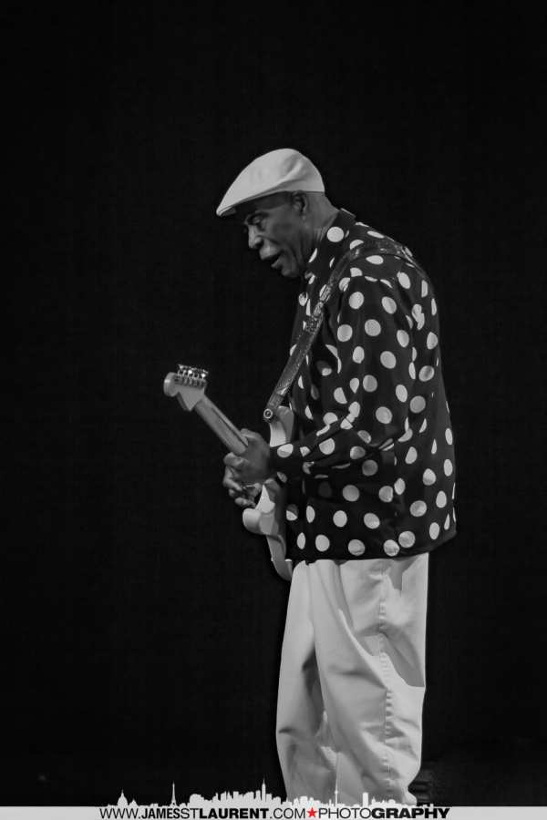 Buddy Guy Performing