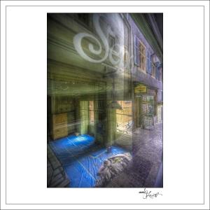 In-Through-the-Looking-Glass-Zurich-19